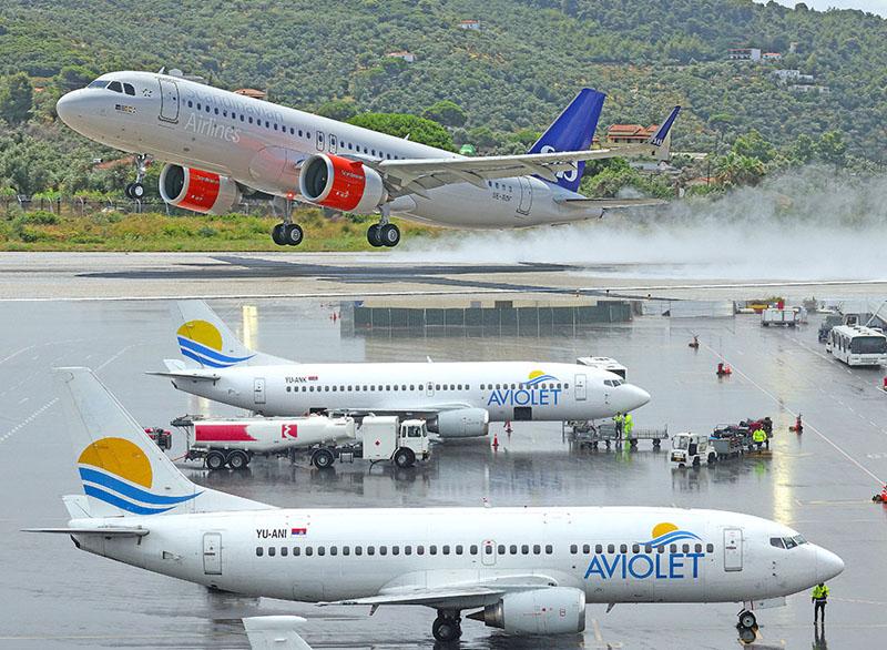 """Skiathos airport """"Aircraft Age Contest"""""""